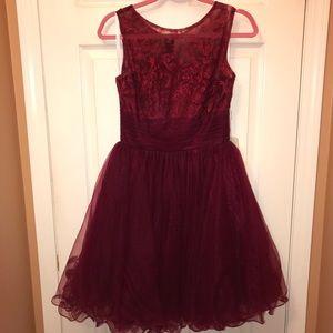 Dresses & Skirts - Knee length burgundy cocktail dress